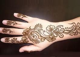 اجمل رسومات نقش الحناء على اليدين