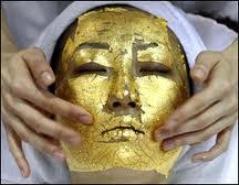 علاج مشاكل البشره بقناع الذهب